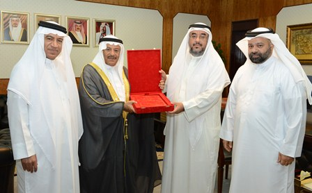 Shura Chairman receives statistical report of second legislative term